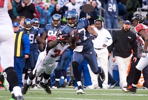 Babineaux returned the interception 27 yards to set up a field goal by the Seahawks Olindo Mare.