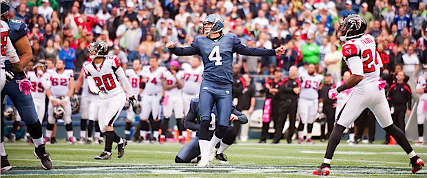 Seahawks kicker Steven Hauschka watches his 61-yard field goal sail left with 13 seconds left in the game.