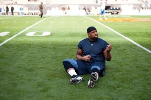 On Sunday, defensive lineman Alan Branch was on the field hours before kickoff, playing a little air guitar before taking on the Browns in the city that houses the Rock n Roll Hall of Fame.