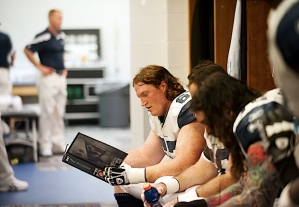 With less than a week to prepare to start in place of injured right guard John Moffitt, veteran Paul McQuistan was still reviewing his playbook in the locker room before the game.