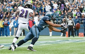 Seahawks receiver Doug Baldwin can't get his hands on a pass from Tarvaris Jackson in the end zone and the Seahawks settled for a field goal.