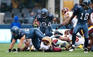 Marshawn Lynch and the Seahawks offense found the going tough in the first half, as the Redskins held them to only only ten minutes of possession time in the first half.
